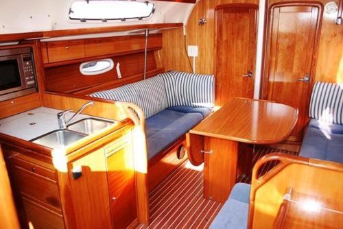 Boat in Split (12 metres) 4