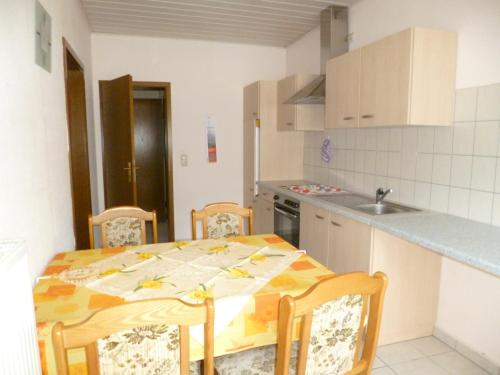 Apartament amb balcó (Apartment with Balcony)