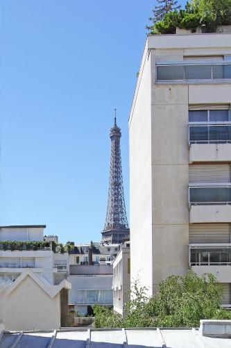 Eiffel Tower Flats