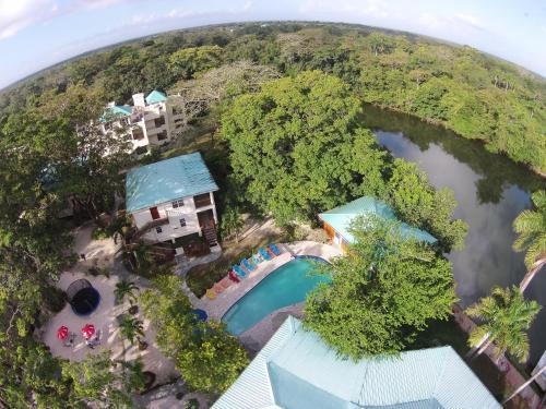 Black Orchid Resort, Burrell Boom
