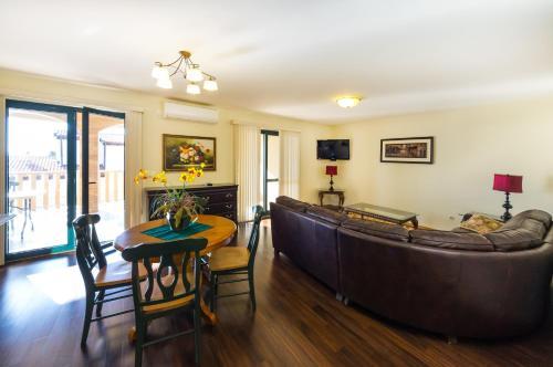 Guest House Golden Shell 4