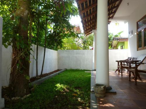 Villa Unawatuna front view