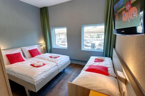 MEININGER Hotel Amsterdam City West photo 3