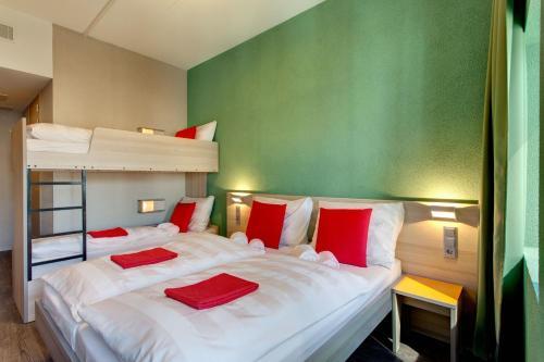 MEININGER Hotel Amsterdam City West photo 4