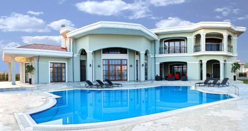 Bilgah Estates Villas