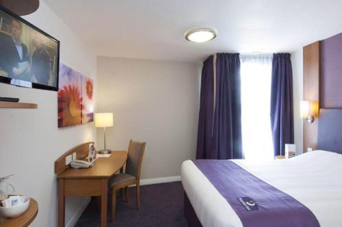 Double Double Room (2 Adults & 2 Children) (Double Room with Two Double Beds (2 Adults + 2 Children))