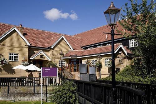 Premier Inn Basildon East Mayne