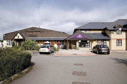 Premier Inn Bedford - Priory Marina