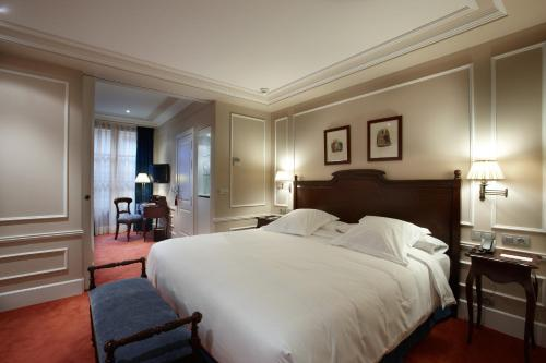 Suite Palacio Guendulain 1