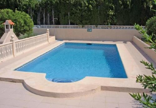 Two-Bedroom Apartment with pool in Alicante