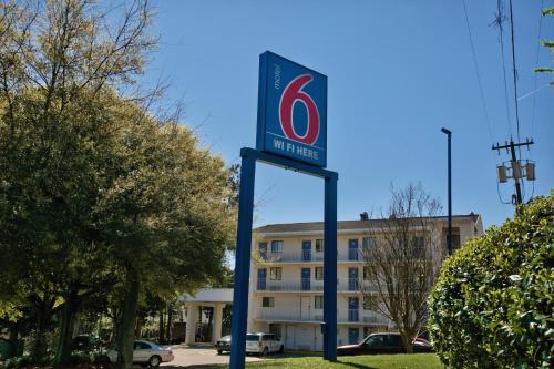 Picture of Motel 6 Tallahassee West