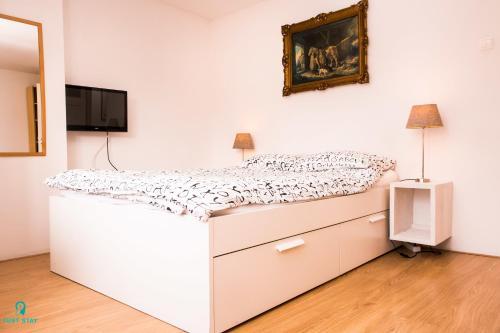 Just Stay - Spacious Apartment Heemskerkstraat