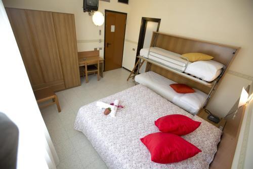 Отель Hotel Ganfo 2 звезды Италия