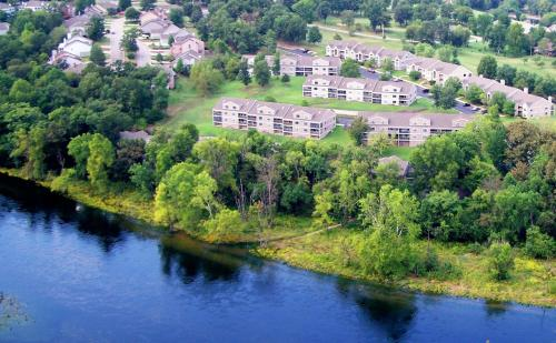 Photo of Pointe Royale Golf Resort Hotel Bed and Breakfast Accommodation in Branson Missouri