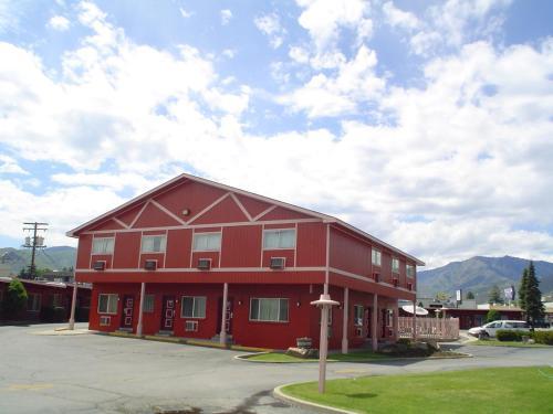 Photo of Avenue Motel Wenatchee Hotel Bed and Breakfast Accommodation in Wenatchee Washington