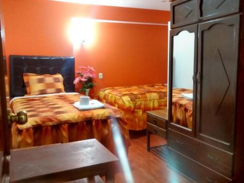 Hotel residencial el eden de adan y eva andahuaylas for Adan y eva en el jardin de eden