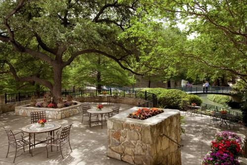 San Antonio Marriott Riverwalk staycation