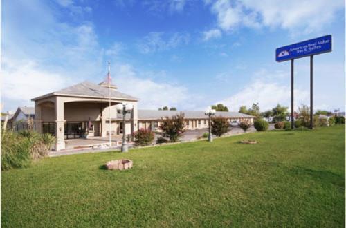 Photo of Americas Best Value Inn Savanna Hotel Bed and Breakfast Accommodation in Savanna Oklahoma