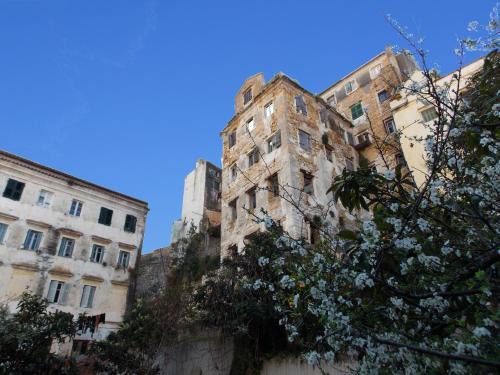 Aspasia Apartment
