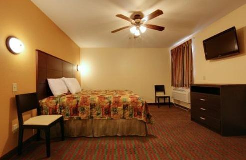 Best PayPal Hotel in ➦ San Benito (TX): Americas Best Value Inn Suites San Benito