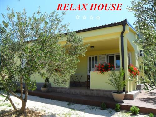 Relax House