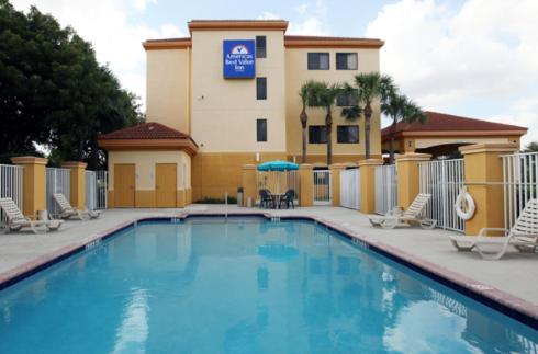Photo of America's Best Value Inn Lantana/Palm Beach Hotel Bed and Breakfast Accommodation in Lantana Florida