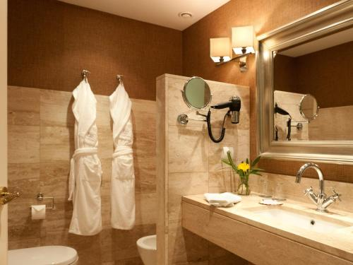 Double or Twin Room - Spa Offer - single occupancy A Quinta Da Auga Hotel Spa Relais & Chateaux 5