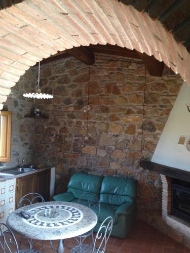 Best Price on Bagno Santo Hotel in Manciano + Reviews