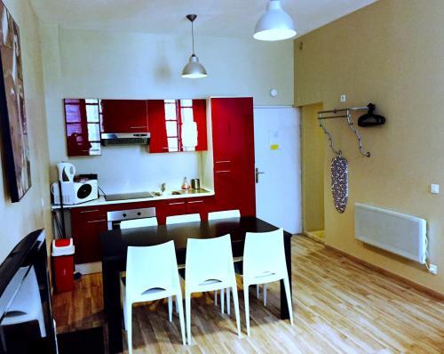 urlaub avignon unterk nfte und sehensw rdigkeiten. Black Bedroom Furniture Sets. Home Design Ideas