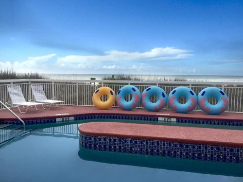 Castaway Beach Inn & Swim Up Bar, North Myrtle Beach - Promo Code Details