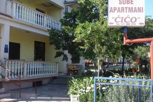 Apartments CICO Starigrad Paklenica