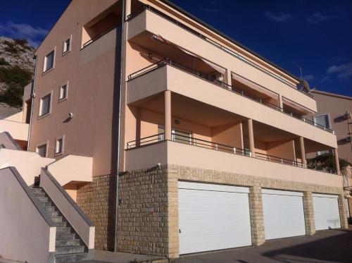 Lea Apartments