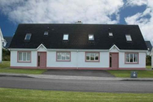Photo of The Brambles Holiday Homes Hotel Bed and Breakfast Accommodation in Ballybunion Kerry