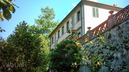 Villa Unis front view