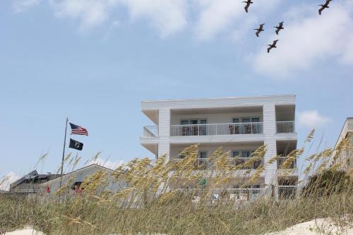 seaside inn isle of palms isle of palms charleston area. Black Bedroom Furniture Sets. Home Design Ideas