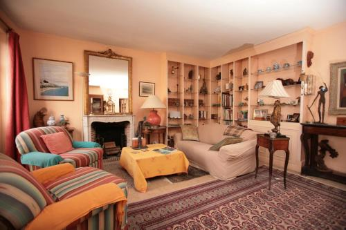 Latin Quarter Two Bedroom Apartment (82)