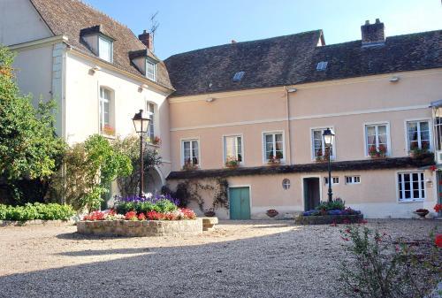 La cha ne d 39 or h tel 25 27 rue grande le petit andelys for Chaine hotel