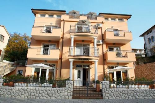One-Bedroom Apartment in Crikvenica LIV