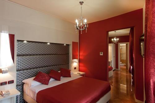 Stay at Hotel Fellini