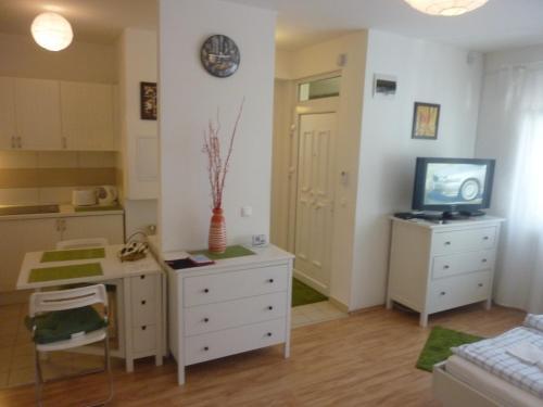 Отель Enci Apartman 0 звёзд Венгрия