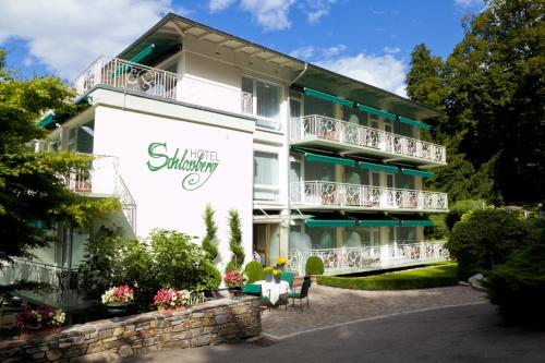 Hotel Schlossberg (Bed and Breakfast)