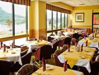 Days Inn Suites Sutton Flatwoods Hotel