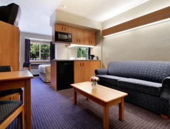 Microtel Inn Suites By Wyndham Hazelton Bruceton Mills