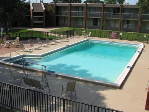 Photo of America's Best Value Inn - Pensacola Hotel Bed and Breakfast Accommodation in Pensacola Florida