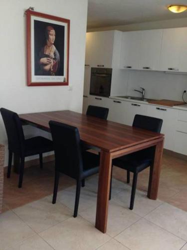 Sutivan Apartments