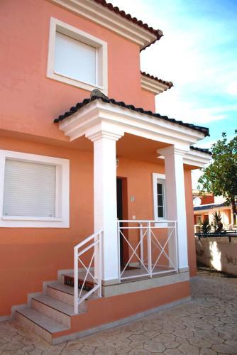 Villa Turquesa front view
