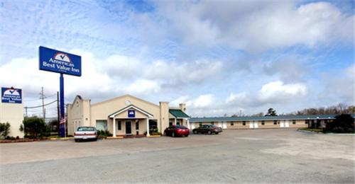 Photo of Americas Best Value Inn Orange Hotel Bed and Breakfast Accommodation in Orange Texas