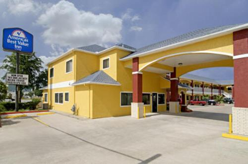 Photo of Americas Best Value Inn Hotel Bed and Breakfast Accommodation in Baytown Texas