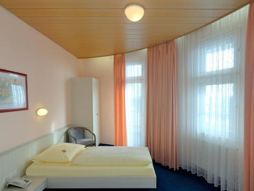 Hotel und Rasthof AVUS photo 3