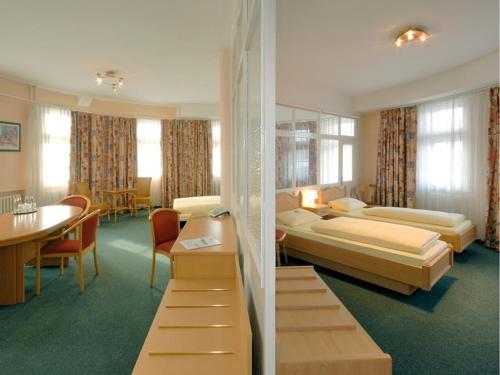 Hotel und Rasthof AVUS photo 27